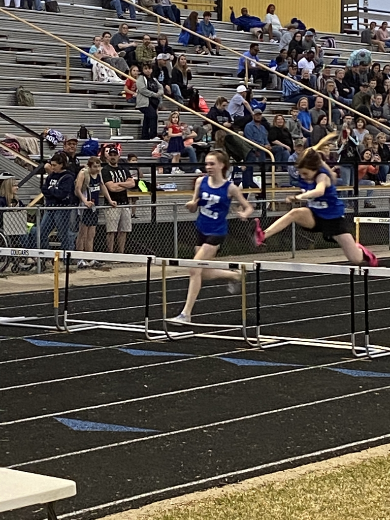 8th Girls Hurdlers 2